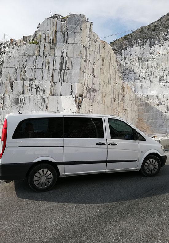 cave di marmo in minivan