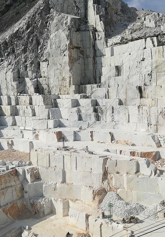 tour alle cave di marmo di carrara