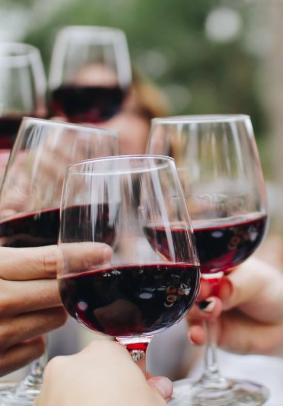 tour alle cave di marmo e degustazione vino